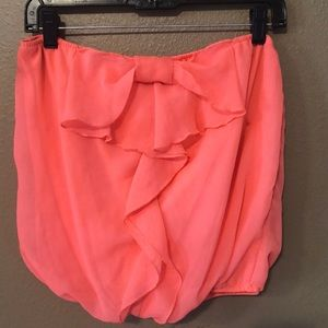 Flirty tube top, with bow. Coral Color. MD.